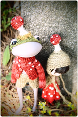 very mushroomy ^-^ (megipupu) Tags: mushroom wonder frog megipupu calcalerwick