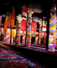 great assembly hall (Xuan Che) Tags: china travel summer west color hall prayer great silk monk buddhism august altar monastery cotton amdo lama tibetan column fresco canonixus400 thangka pilgrim 2007 assembly qinghai tongren longwu repkong