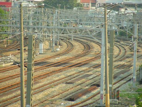 Railway (by hiroshiken)