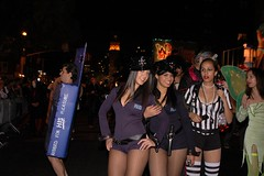Halloween Parade 2007: Sexy Cops and Ref (LarimdaME) Tags: nyc halloween costume referee cops parade halloweenparade oct31