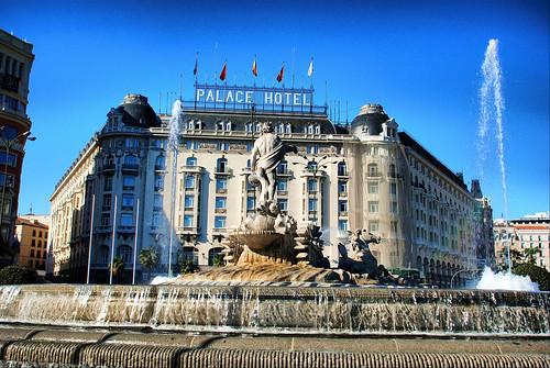 Madrid. Hotel Palace y Fuente de Neptuno por josemazcona.