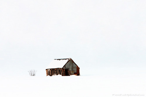winter snow shelter shack abandon easternsierra easternnevada california photofool