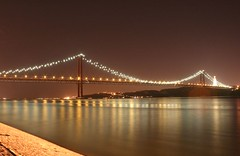 Old Lisbon Bridge (Fr Antunes) Tags: bridge portugal rio night canon river eos harbour lisboa ponte explore porto noite february tejo fr ponte25deabril tagus fevereiro longaexposio docas antunes alcantara golddragon 400d anawesomeshot superbmasterpiece diamondclassphotographer betterthangood ilustrarportugal srieouro frantunes