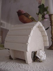 Pearly Birdhouse back