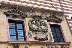 Palazzo della Ragione - Verona (Tom Peddle) Tags: italy verona della palazzo 2009 ragione