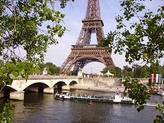 Bateau Mouche on river Seine near the Pont d'Ina and Eiffel Tower, Paris (JPC24M) Tags: bridge paris boat dock holidays flag carousel toureiffel newyorkavenue mange tourisme drapeau fleuve croisire touriste fluvial avenuedenewyork tourismefluvial
