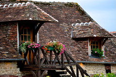 Au mois d'aot en Normandie ~ August in Normandie (Michele*mp slowly catching up) Tags: roof france europe stair balcony tiles normandie toit balcon normandy escalier paysdauge calvados tuiles beuvronenauge lesplusbeauxvillagesdefrance michelemp