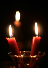 The dawning light (frackers23) Tags: light religious persian candles darkness iran flames religion persia websites vase poweroutage iranian martyrs links persecution honoring bahais img1014jpg cleverlighting thebahaifaith