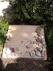 """Tumba de Robert Graves (""""Yo Claudio"""") en el cementario de Deia/Dey (Mallorca) - Verano 2007 (Psychoundakis) Tags: robert cementerio graves ollie mallorca valldemossa deia medievo deya halsall madieval archiduque llul"""