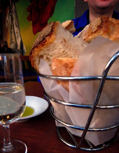 Good bread with very good olive oil