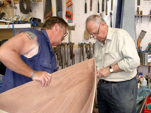 Slideshow for stitch and glue canoe assembly method