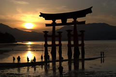 Miyajima Shrine - Miyajima Island - Japan ({ Planet Adventure }) Tags: holiday japan photography photo interesting photographer ab miyajimaisland adventure planet allrightsreserved interessante digitalphotography holidayphotos stumbleupon copyright travelguide digitalworld intrepidtraveler traveltheworld planetadventure colorfulworld worldexplorer miyajimashrine by{planetadventure} byalessandrobehling aplusphoto intrepidtravel alessandrobehling stumbleit topphotography holidayphotography alessandrobehling copyright20002008alessandroabehling colorfulearth photographyhunter photographyisgreatfun