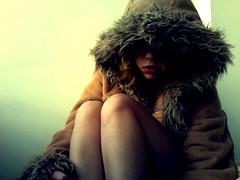 (yyellowbird) Tags: selfportrait girl furry photobooth legs coat cari macbook