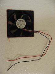 Installing the fan