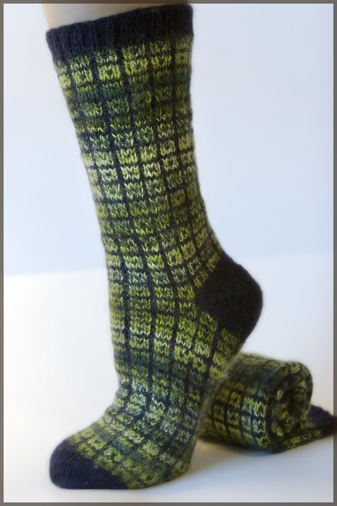 Knitting Pattern Magic Loop Socks : Lifestyle Toe Up Socks - No Swatch Needed - P U L S H