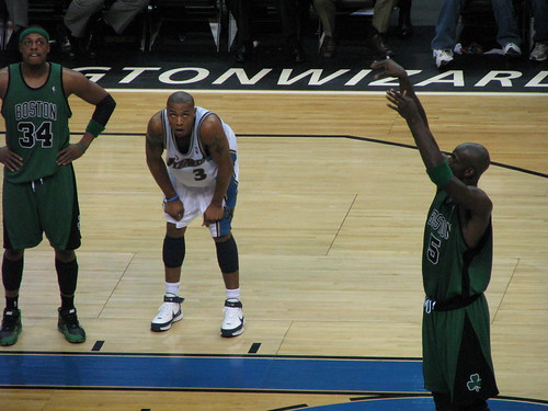 Caron Butler studies KG at the line