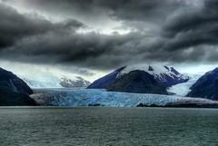 Amalia Glacier, Chile (Thad Roan - Bridgepix) Tags: chile cruise snow mountains ice southamerica water clouds landscape photo earthquake ship glacier ncl norwegiancruiselines straitofmagellan amaliaglacier norwegiandream 200801