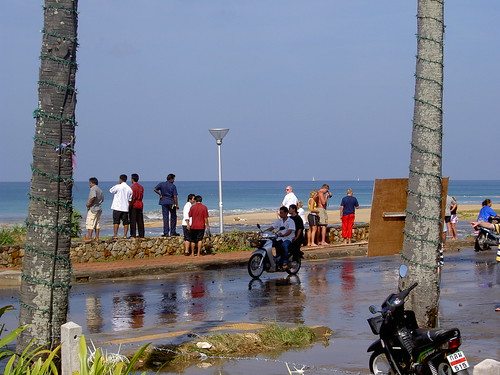 Boxing Day Tsunami 2004: Karon Beach. Between first and second waves.