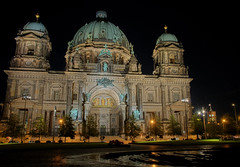 Berliner Dom (Xindaan) Tags: longexposure light berlin night germany geotagged nikon nacht dom dome flare getty nikkor mitte soe hdr gettyimages berlinerdom langzeitbelichtung lustgarten d300 berlinmitte artcafe nightimage photomatix 7xp berlindome golddragon mywinners anawesomeshot theunforgettablepictures nikond300 goldstaraward 1685mm 1685mmf3556gvr damniwishidtakenthat goldenvisions globalworldawards afs1685mm artcafedomidoexhibitionscomein