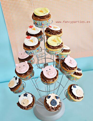 Farm Animals Cupcakes Tree