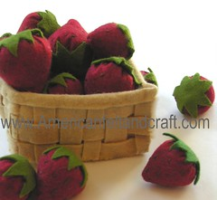 Felt Food Strawberries in a basket (AmericanFeltandCraft.com) Tags: cakes strawberry basket pdf etsy feltro tutorial filz feltpattern feltplayfood americanfeltandcraft eltfood childrenplush pretendhandmade filtvilt