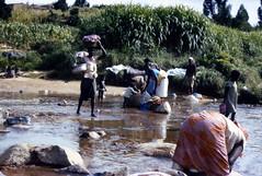 Waschplatz im Fluss