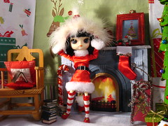 Jingle Bells........Jinggggggggle Bells (The Dolly Mama) Tags: santa christmas fun doll dal whimsical sooni teetoncey hatbywombatgirlonetsy