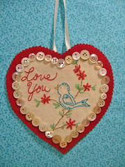 Old fashioned Birdy Valentine (misseskwittys) Tags: red white bird love wool vintage embroidery buttons valentine misseskwittys