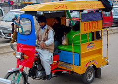 Public Transport in Pakistan (friend_faraway *) Tags: city pakistan publictransport cheap 3wheeler 5photosaday qingqi impressedbeauty gujarkhan fotogezgin