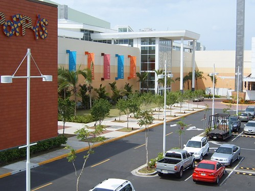 High-End Malls and Top Name Brands by thinkpanama, on Flickr