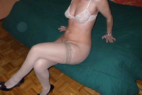 only in women without a bra pics: milf, legs, woman, womeninbras