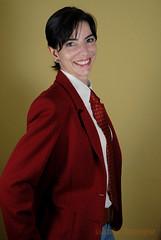 Beautiful Smile (MARIO BOURGES) Tags: red smiling yellow wall shirt hair model coat earring silk tie modelo vermelho amarelo short gravata brinco seda parede camisa sorrindo casaco cabelos curto