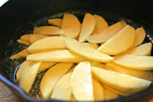 Apples in pan