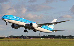 KLM Royal Dutch Airlines Boeing 787-9 Dreamliner (AMSfreak17) Tags: amsfreak17 danny de soet canon 70d ams eham amsterdam luchthaven schiphol airport vliegtuigen vliegtuig aircraft airplane jet jetphotos planespotting luchtvaart vertrek aankomst departure arrival spotter planes world of airplanes nederland the netherlands holland europe dutch take off runway 36l 18r polderbaan klm royal airlines boeing 7879 dreamliner phbhg