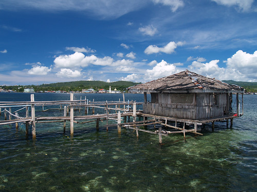 Badjao Stilt House and Fish Pens by ferdzdecena.