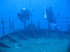 Shipwreck scuba dive rainbowscuba -0711 (RainbowScuba.com) Tags: ocean sea hawaii waikiki oahu dive scuba diving shipwreck diver honolulu padi wreck rainbowscuba
