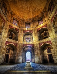 Stuck in India - Humayun\'s Tomb