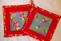 Red love pot-holders