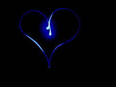 Feelin blue (bored-now) Tags: longexposure blue light black night heart coeur valentine corao hart cuore herz corazn lightpaint dsch3 20080129