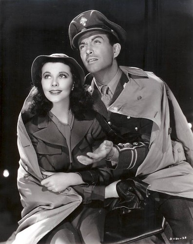 Vivien Leigh and Robert Taylor by Silver Screen Sirens.