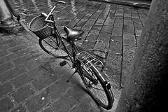 BICICLETTA_BICYCLE (Carletti Luca) Tags: blakandwhite bicycle mantova biancoenero bicicletta sigma1224 canon400d carlettiluca cavalieresub