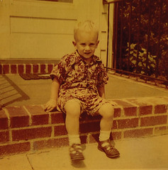 Johnny (~ Lone Wadi ~) Tags: kodacolor child lostphoto retro 1950s frontsteps outdoors frontporch residence