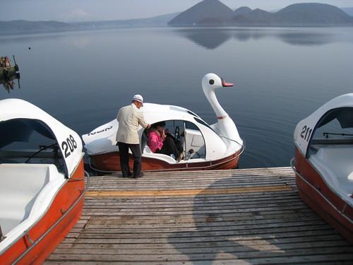 天鵝船連續圖之1-上船