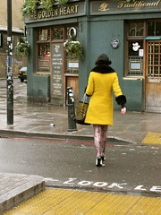 The mistery woman in yellow at spitafields