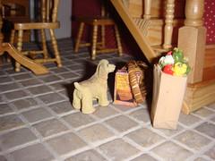 dollshouse rehersal kitchen plus dog   1:12 scale