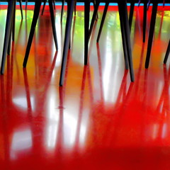 Dancing under the table (s@brina) Tags: colore dancing riflessi gambe tavoli quasiastratto dancingunderthetable