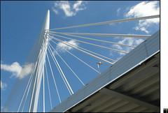 NL/Utrecht/PrinsClausbridge (oopsfotos.nl) Tags: bridge blue sky white holland netherlands clouds utrecht thenetherlands r1 lantern pointing oop kanaleneiland upwards papendorp prinsclausbridge