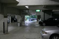 【ラビスタ伊豆山】地下駐車場