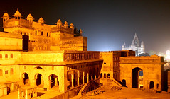 Eight seconds of Orchha Gold (greenwood100) Tags: longexposure roof light shadow sky orange india building architecture backlight night stairs spectacular gold golden construction asia view arches courtyard palace nightshift 1600 explore vultures column 24mm striking f71 lattice iso1600 islamic pradesh orcha jali mughal madhyapradesh orchha madhya eightseconds bundelkhand 8seconds jehangirmahal chhatris tikamgarh betwa superbmasterpiece betwariver colourartaward betterthangood jehangirmaha bundelaraja thegoldproject