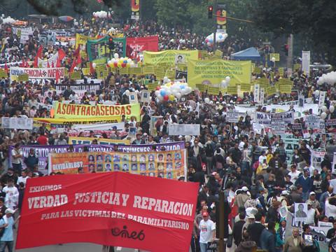 Colombia Marcha 6 marzo contra el paramilitarismo